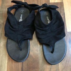 Girls size 2 black sandals
